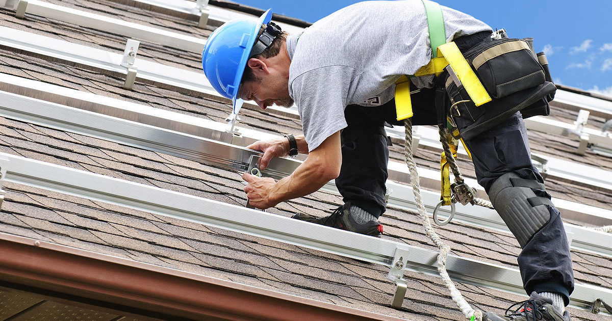 How to Distinguish a Good Roofer