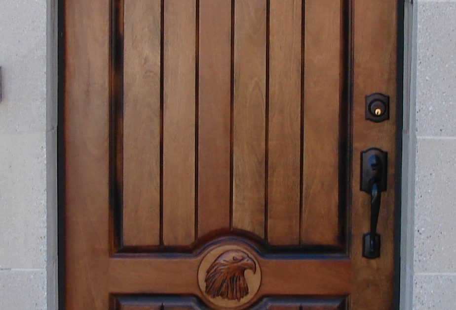 Select The Right Front Doors To Enhance Your Home's Appearance