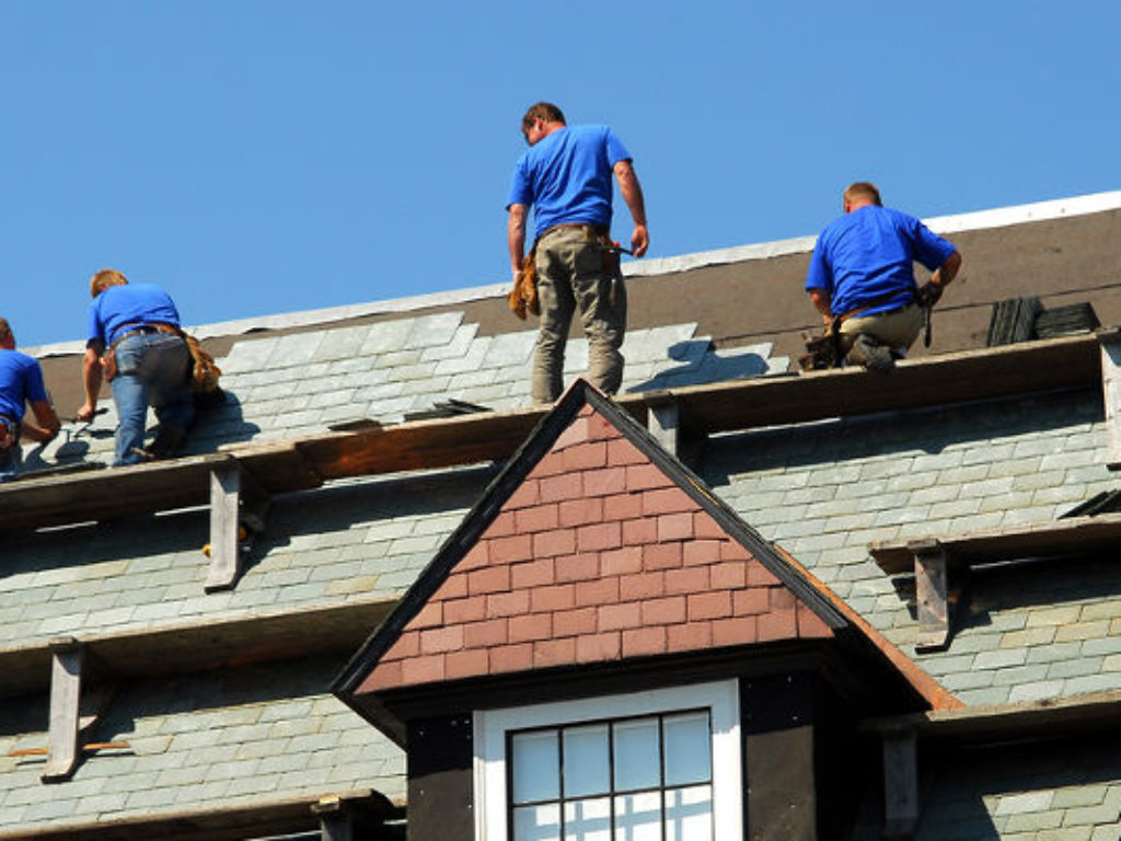 What to Consider When Hiring a Roofer?